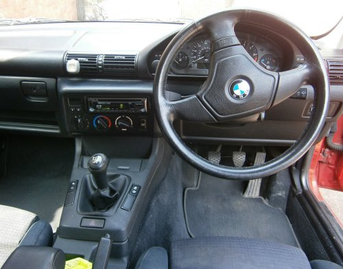 BMW E36 compact dashboard